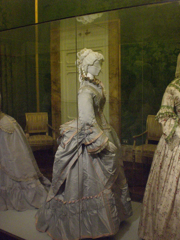 Costume Gallery - Florence e5952d71895