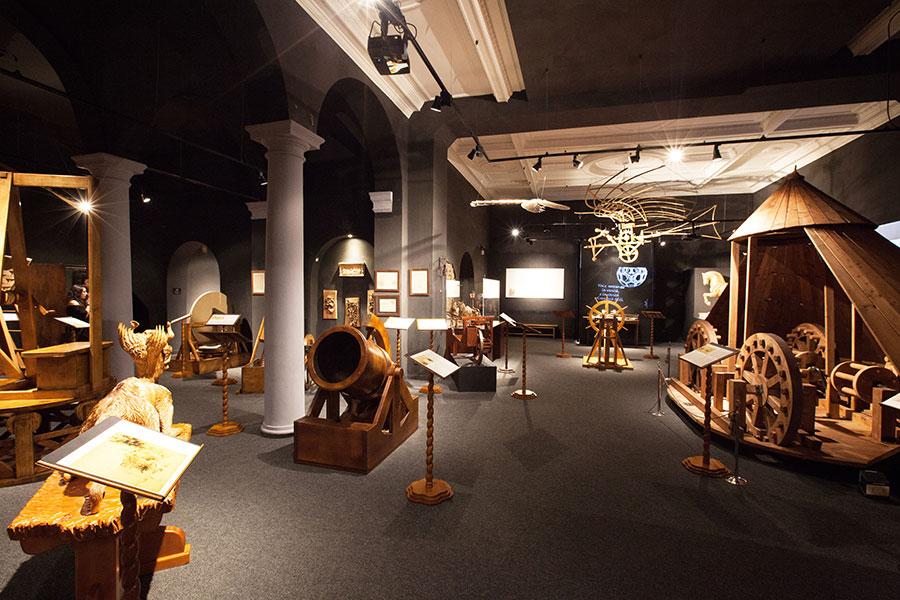 Leonardo D Exhibition : Leonardo da vinci museum florence
